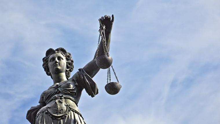 Homenagem mais que justa no Dia do Advogado
