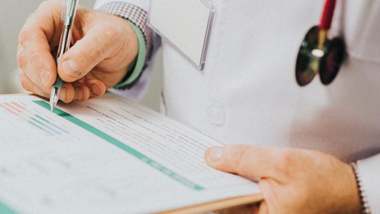 Plano de saúde deve comunicar descredenciamento de clínicas.